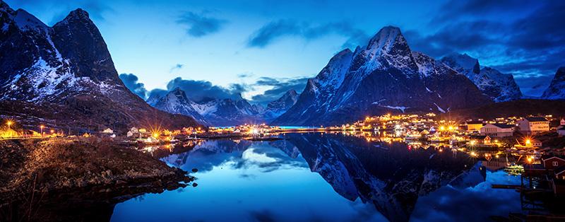 Norwegen ohne Internet - Reine Village, Lofoten Islands, Norwegen